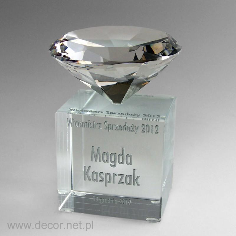 Statuetka kryształowa z diamentem