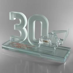 Statuetka na 30 lecie firmy budowlanej