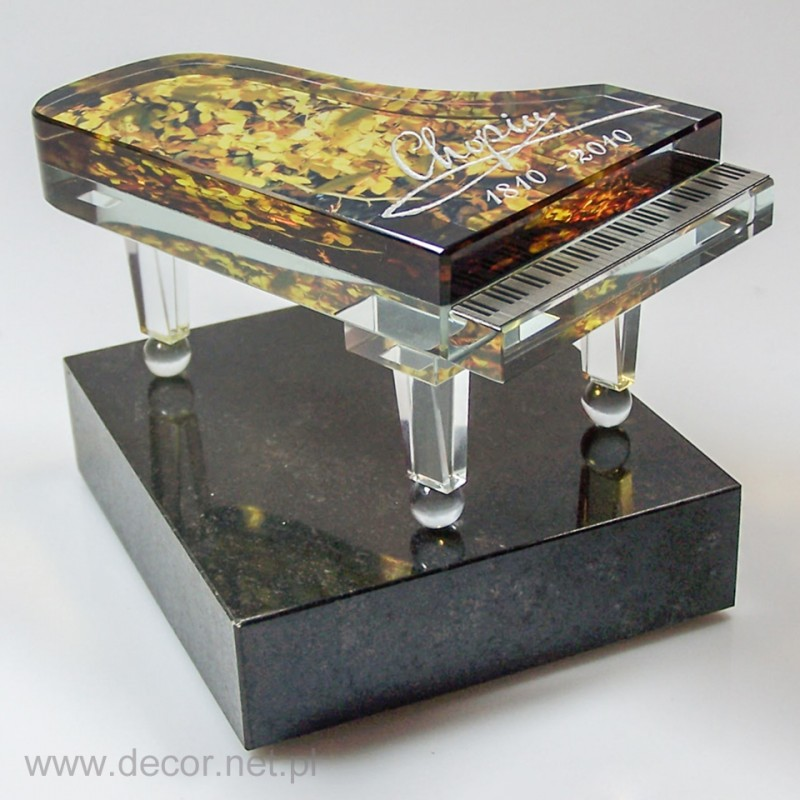 Sklo miniatúrne piano