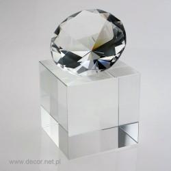 Statuetka z diamentem