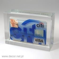 Szklany przycisk na biurko z kartą kredytową